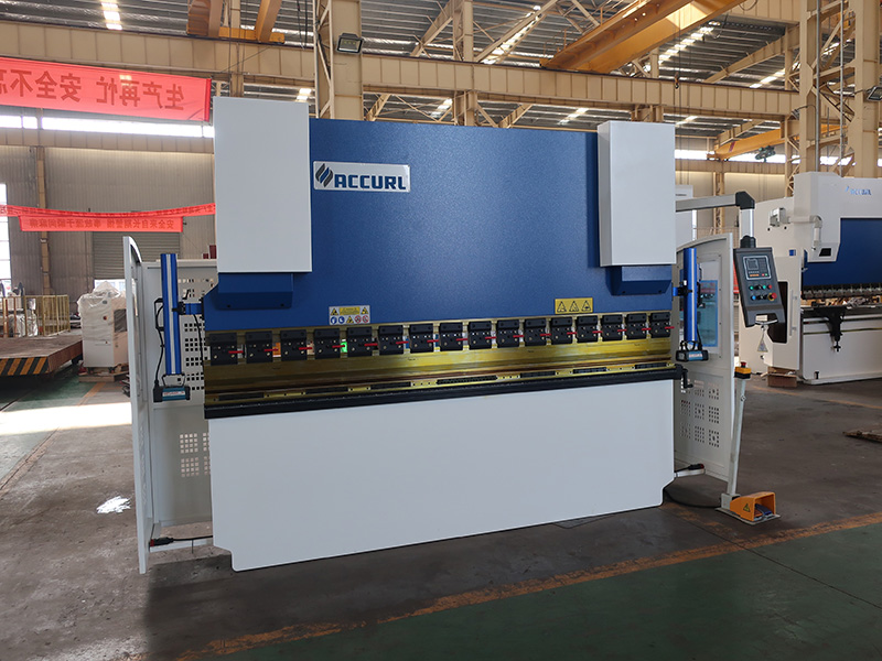 300 Ton hydraulic nc press brake machine 5M with CE safety certification