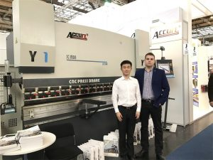 Poland Customers Visit Our Exhibition