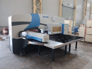 high speed cnc punch press machine 30 ton with Oi-PO cnc control system