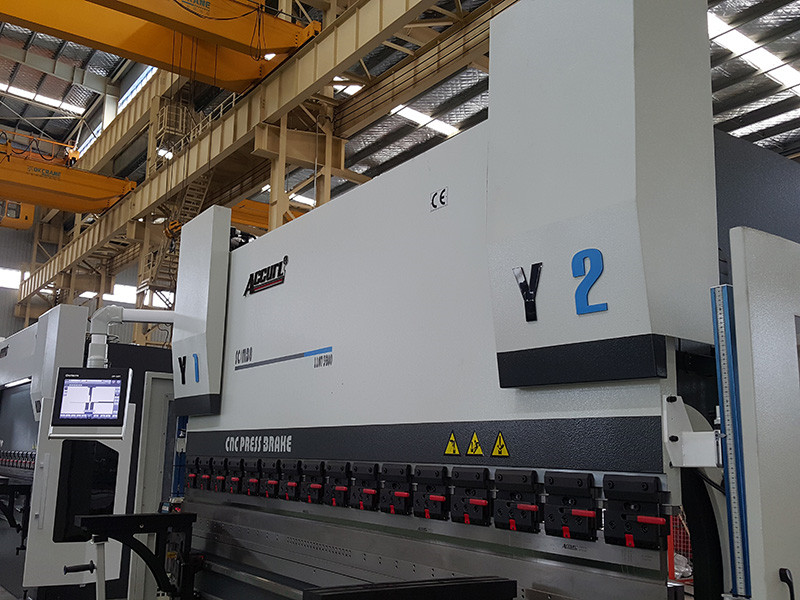 hydraulic press brake 200 ton