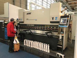 cnc hydraulic plate bending machine drawing press brake with good service