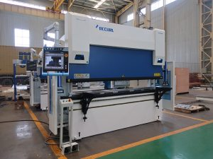 Wc67y-125t/2500 hydraulic press brake sheet bending machine with good price