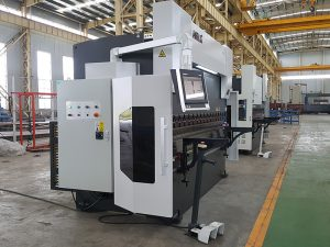 high performance hydraulic synchronized press brake with Robot